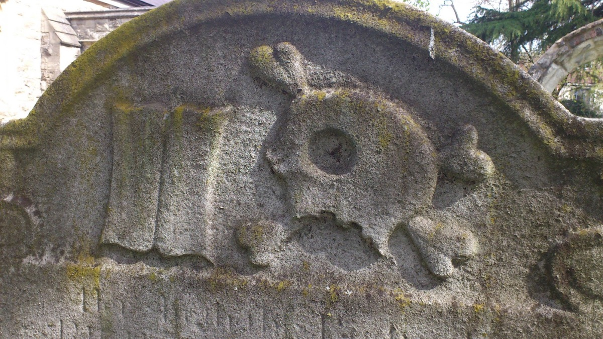 Skulls, astrologers and the sands of time: a Georgian graveyard in South West London
