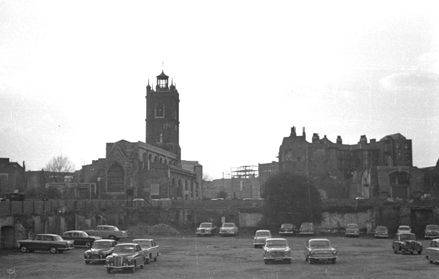 Bombsites around St Giles Cripplegate being used as a car park after WWII (image by David Wright, via Wikimedia Commons)