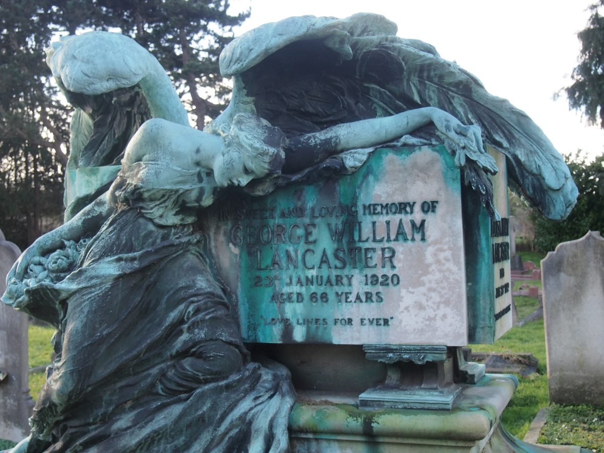 "East Sheen Cemetery and the ""Angel of Death"""