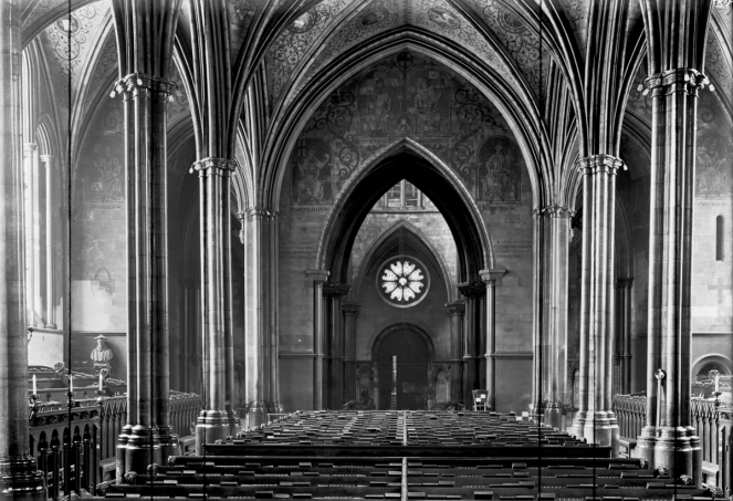 Temple Church pictured in 1914, showing the wall and ceiling paintings added during the restoration of 1841 (image from Brooklyn Museum via Wikimedia Commons)