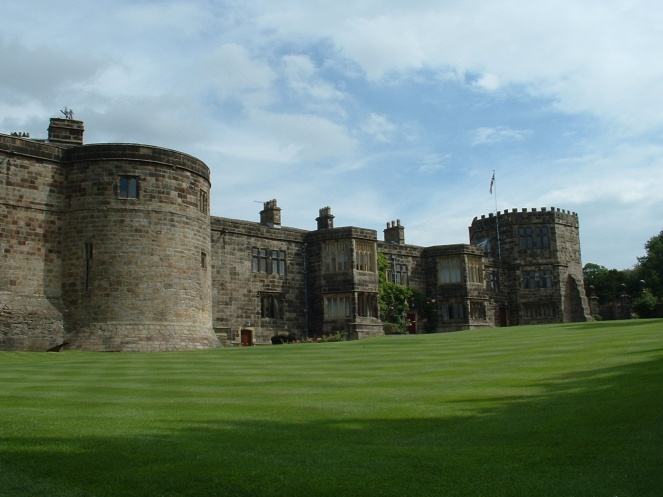 The living quarters added to Skipton Castle in 15??, now a private residence (image via Wikimedia Commons)