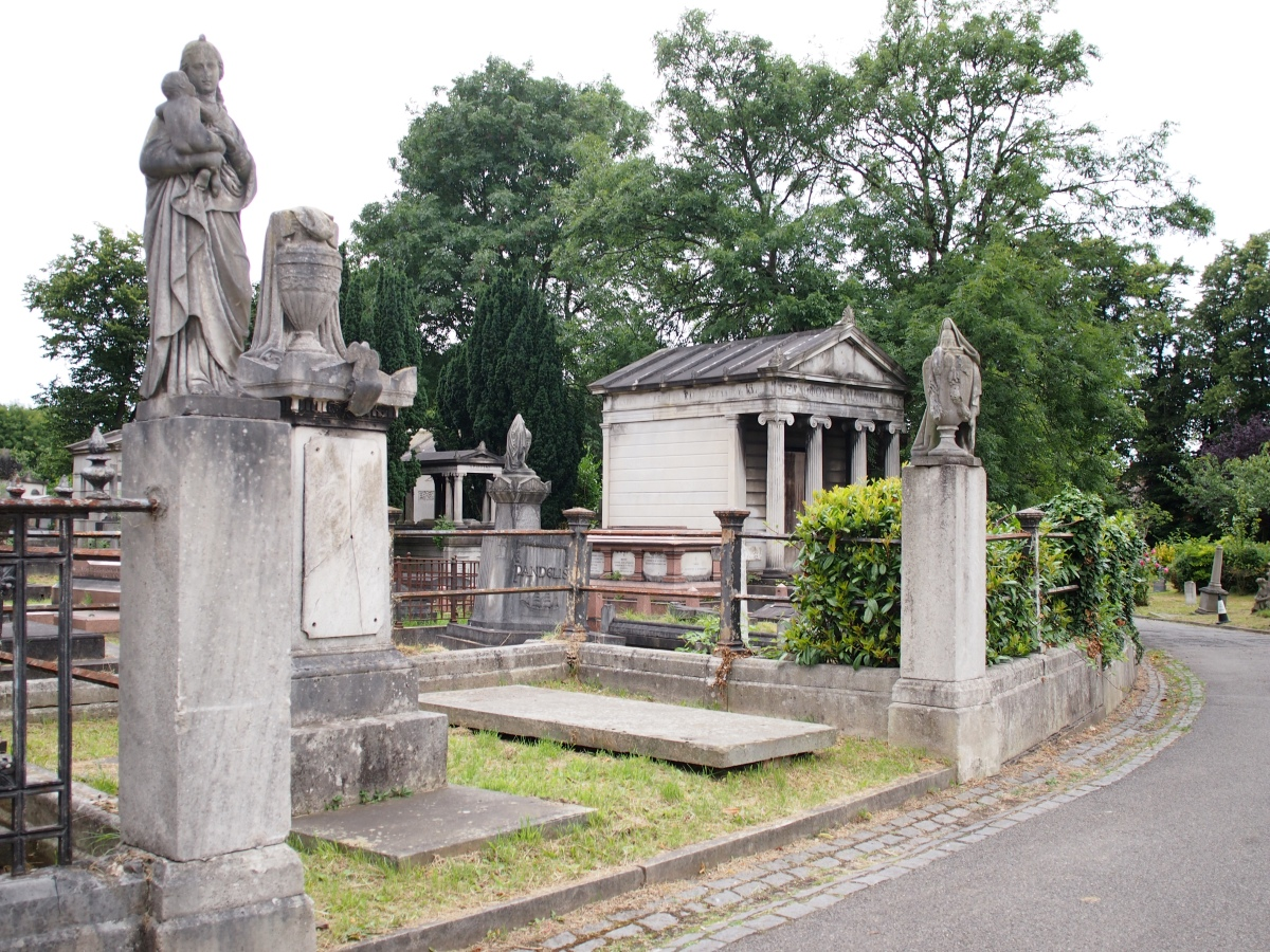 Exploring West Norwood's magnificent Greek Necropolis