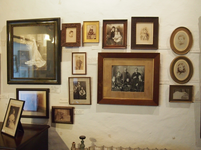 Many family photos of members of the MacLeans can be seen in the castle