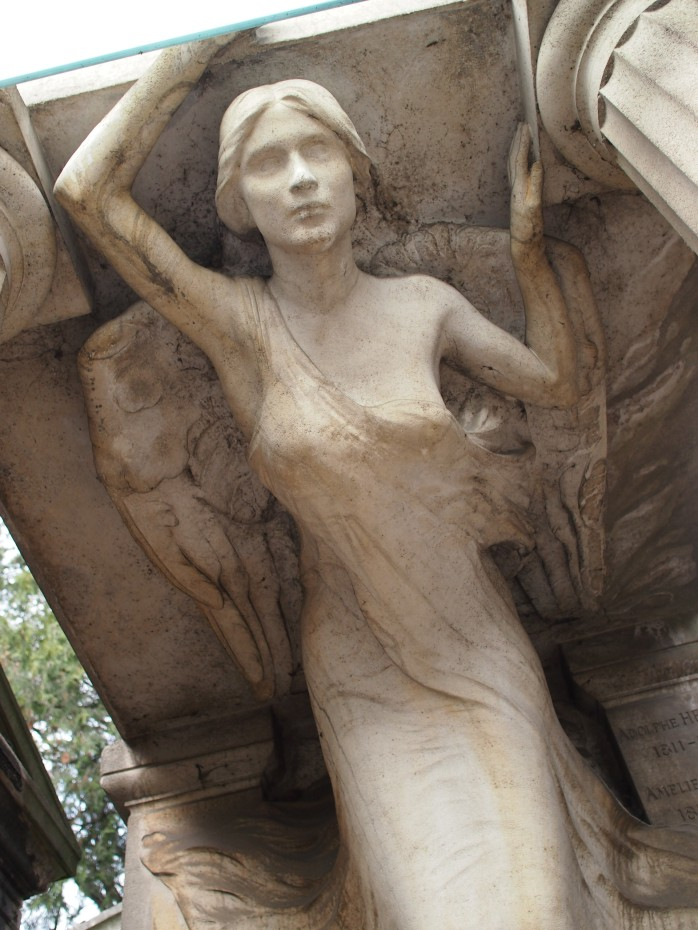 Beautiful figure by reknowned sculptor Albert Bartholomé on the grave of the Pam family