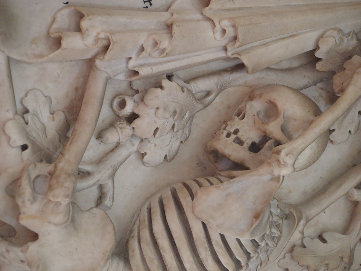 Carved skeletons, Elizabethan theatre giants, and a cat: St Leonard's, Shoreditch