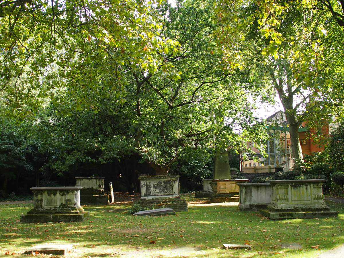 St George's Gardens, Bloomsbury: two 18th Century burial grounds
