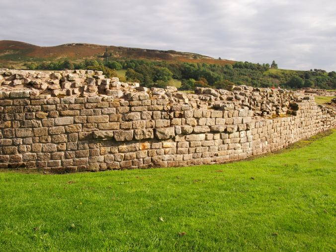 Wall around the fort's ruins